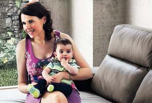 ¿El sofá de piel es compatible con niños?