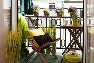 Decorar un balcón pequeño. Disfruta de un pedacito de naturaleza en casa.