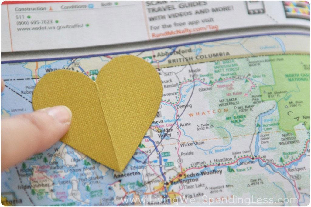 DIY de corazones. Regalo para una pareja viajera