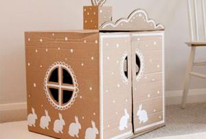 Una casa de juguete casera muy sencilla para hacer con niños